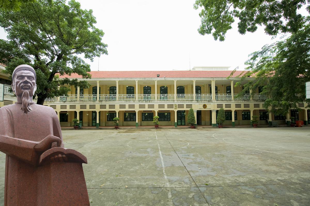 Công khai thông tin cơ sở vật chất của trường trung học phổ thông năm học 2020 - 2021